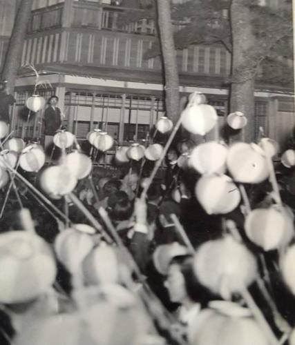 天皇陛下を歓迎する提灯行列